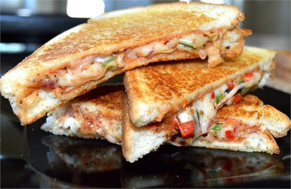टिफिन में बच्चों को दें Pizza Sandwich