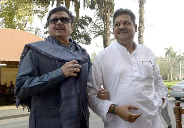jdu can get shatrughan and kirti seats