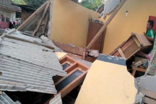 6 4 earthquake of magnitude 3 people killed in indonesia
