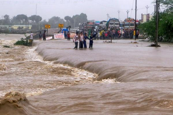 heavy rain warning in gujarat for next 5 days