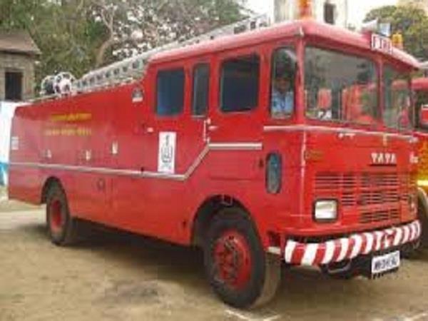 10 fire fighters held fire in fire post