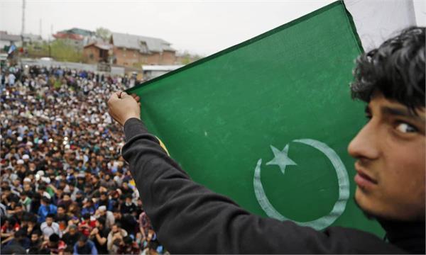 pak election kashmir not star vote catcher in partie s manifesto