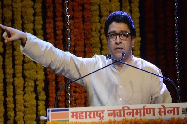 raj thackeray says what is the need of loudspeaker for ajan