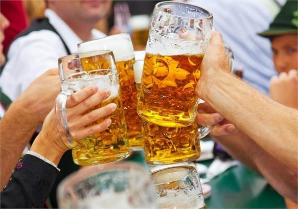 शराब पीने को लेकर इन देशों में बने है अजीबोगरीब कानून!