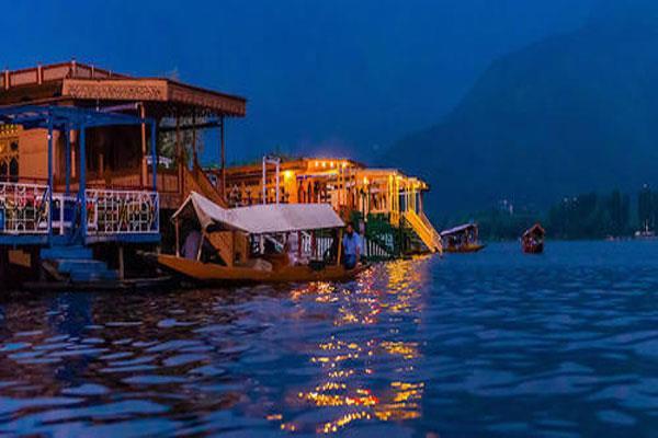 विश्व प्रसिद्ध डल झील के संरक्षण पर गंभीर राज्यपाल, प्रबंधन व पुनर्वास पर  जोर - governor is serious on dal lake protection