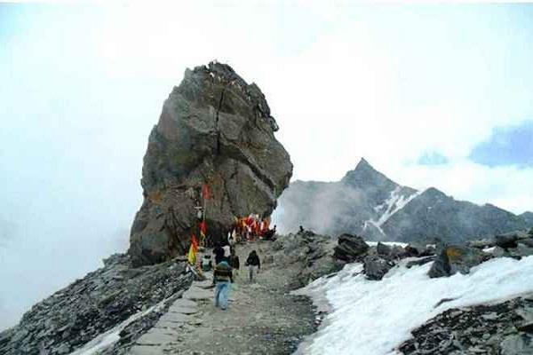 shrikhand mahadev langar committee barathi first devotees arrived