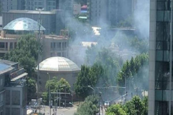 bomb blast outside india and us embassy in china
