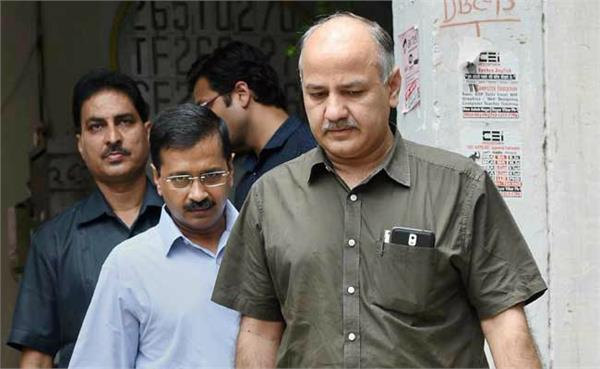delhi school closed student basement sisodia expressed displeasure