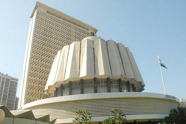 the issue of sharing bhagavad gita in assembly