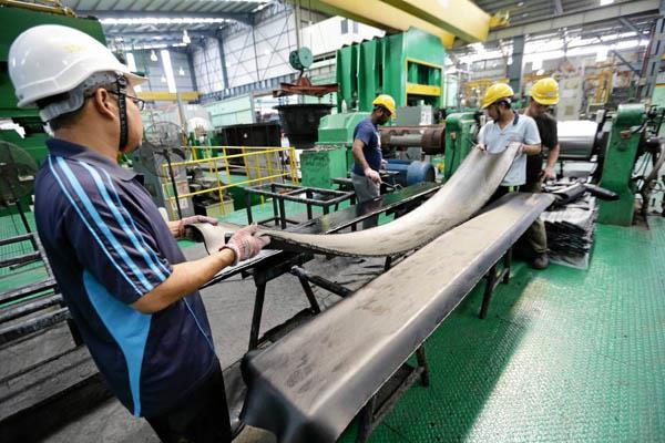 june manufacturing pmi records fastest growth in 2018 so far