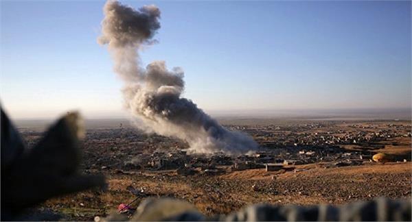 air strike kills 28 civilians in syria s deir ezzor