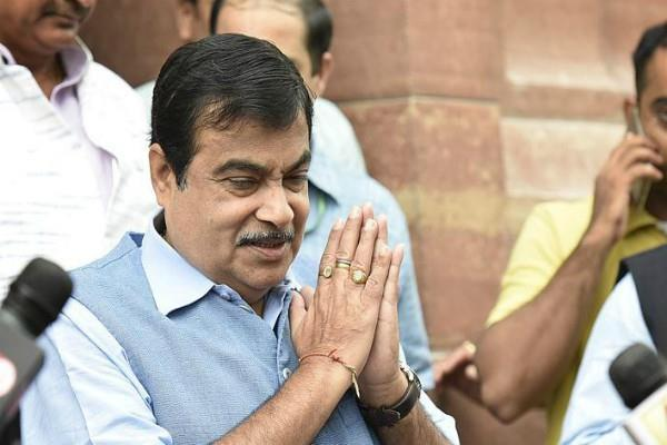 gadkari apologizes to jyotiraditya scindia in lok sabha