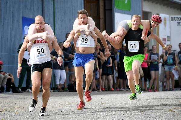 fnland lithuanian couple won world wife carrying championship title