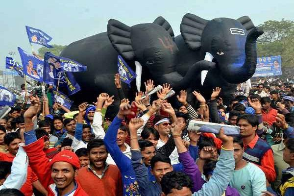 big shock to bjp in jharkhand bsp leads in 2 seats