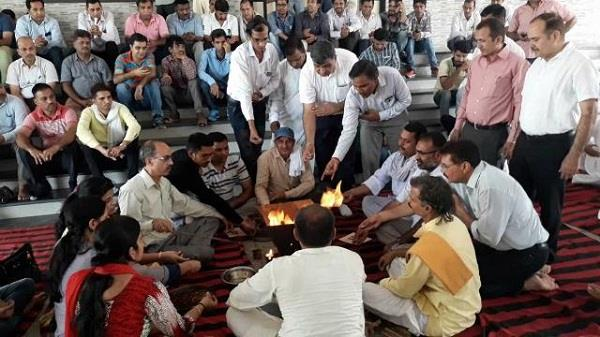 in the case of professor suicide in cdlu today teachers postponed protest