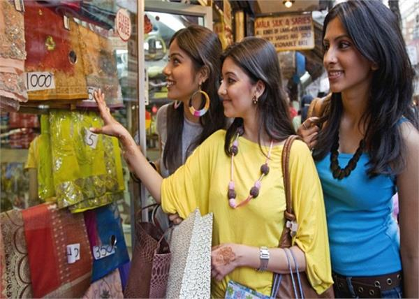 these 6 important street shopping tips for every woman