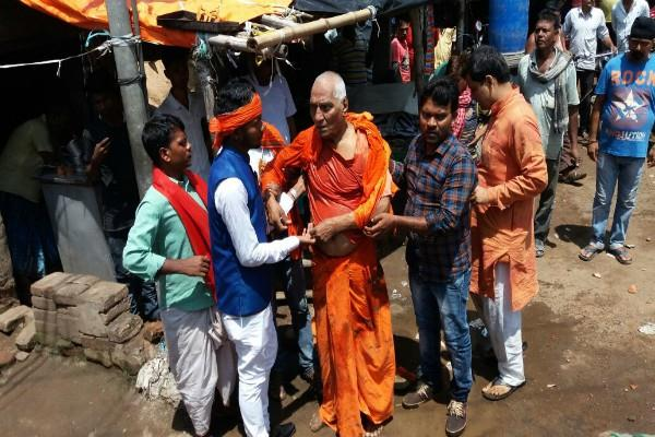 bjym beat up the swami agnivesh