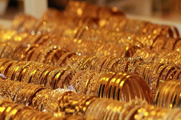 bank refuses to return customer s gold