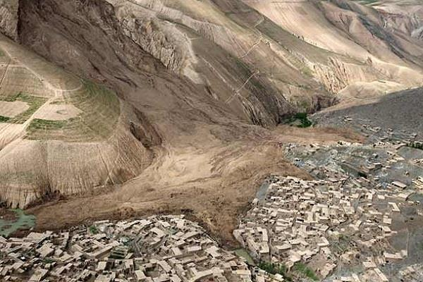 10 dead many houses destroyed by landslides in afghanistan