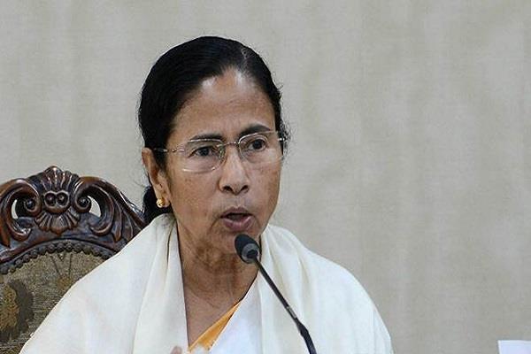 mamta banerjee support to yogendra yadav