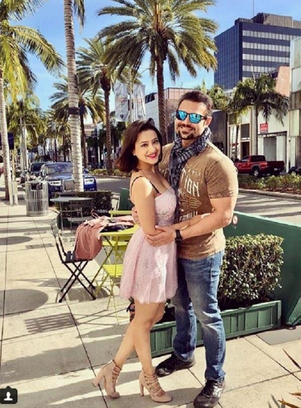 mahaakshay chakraborty and madalsa enjoy honeymoon