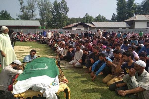 injured student died in kashmir