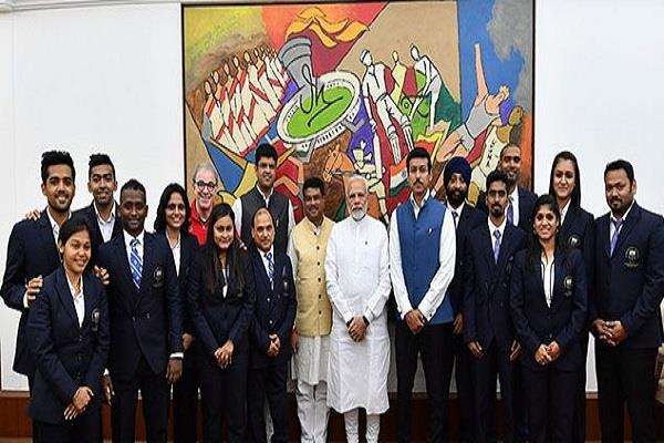 modi meets medalist players