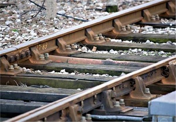 ultrasonic machines holding rail track lapses