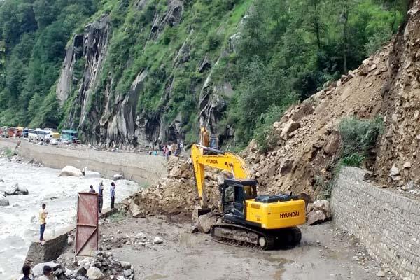 landslide on kullu manali nh restored after 16 hours