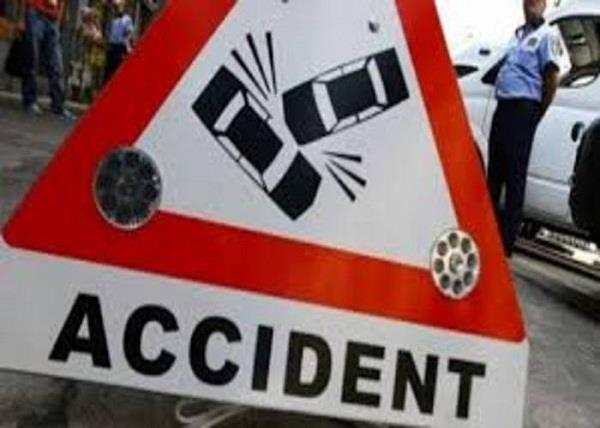 farchunur car gets female acp car collision