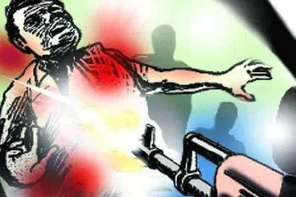 panchayat secretary shot dead two injured