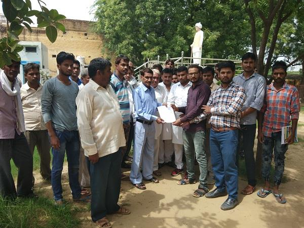 statue of shaheed mahesh broken increased rage in the area