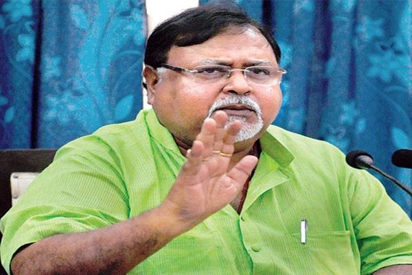 trinamool congress accused modi of spreading false information