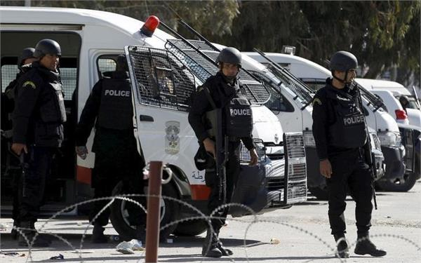 terror attack in tunisia 6 security personnel killed