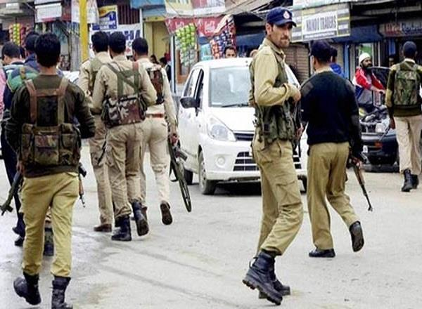 terrorists kidnapped in jammu and kashmir constable