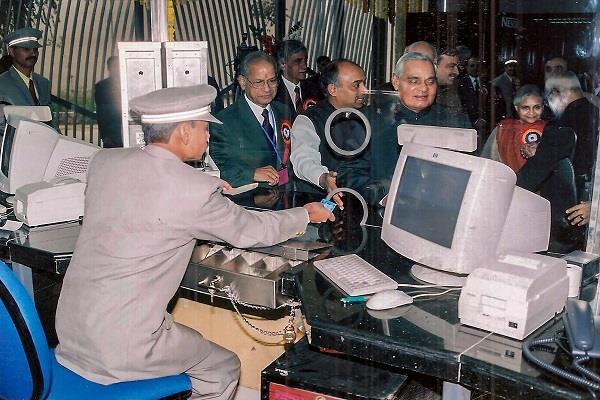 delhi metro inaugurated during vajpayee s tenure