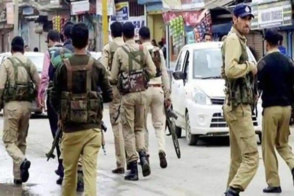 arrests kidnapped relatives of five policemen