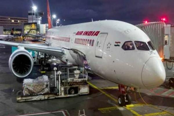 technical problem in air india plane passenger stranded at mumbai airport