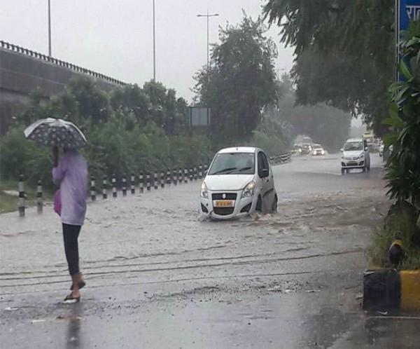 rain in delhi from morning
