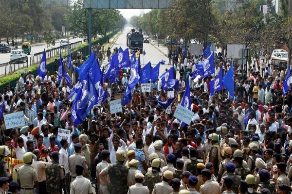 dalit organizations withdrew their bharat bandh decision