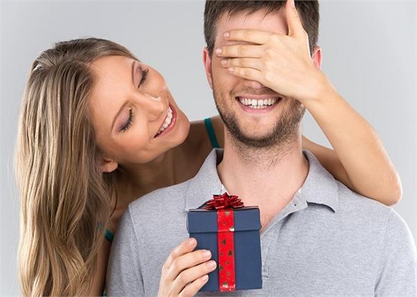 पति को खुश रखने के लिए हर पत्नी को करने चाहिए ये 6 काम