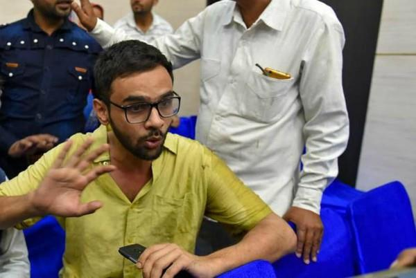 attack on umar khalid suspect showing in cctv