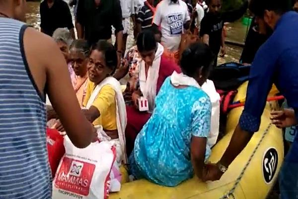 special 26 team stareted rescue operation in kerala