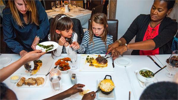 restaurant bans kids under14 to punish their misbehaving parents