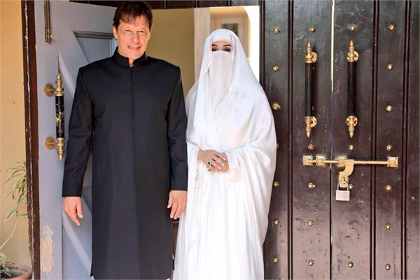 burqa of pakistan s first lady  unmasks societal biases