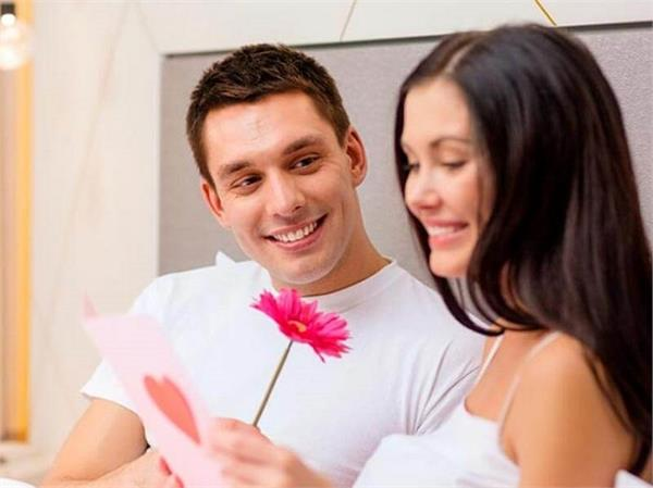 अपने नाम के Alphabet से जानें आपको मिलेगा कैसा पति!