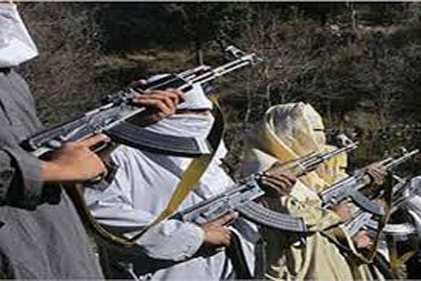 militants beaten the police cops in shopian