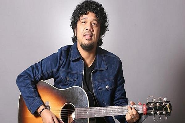 papon comeback after 6 months of kissing controversy