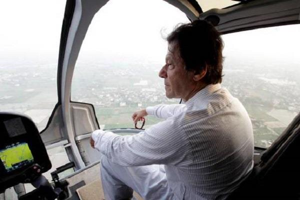 imran khan mocked for helicopter home to work commute