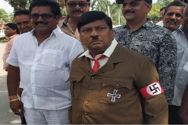 when the hitler arrived in parliament